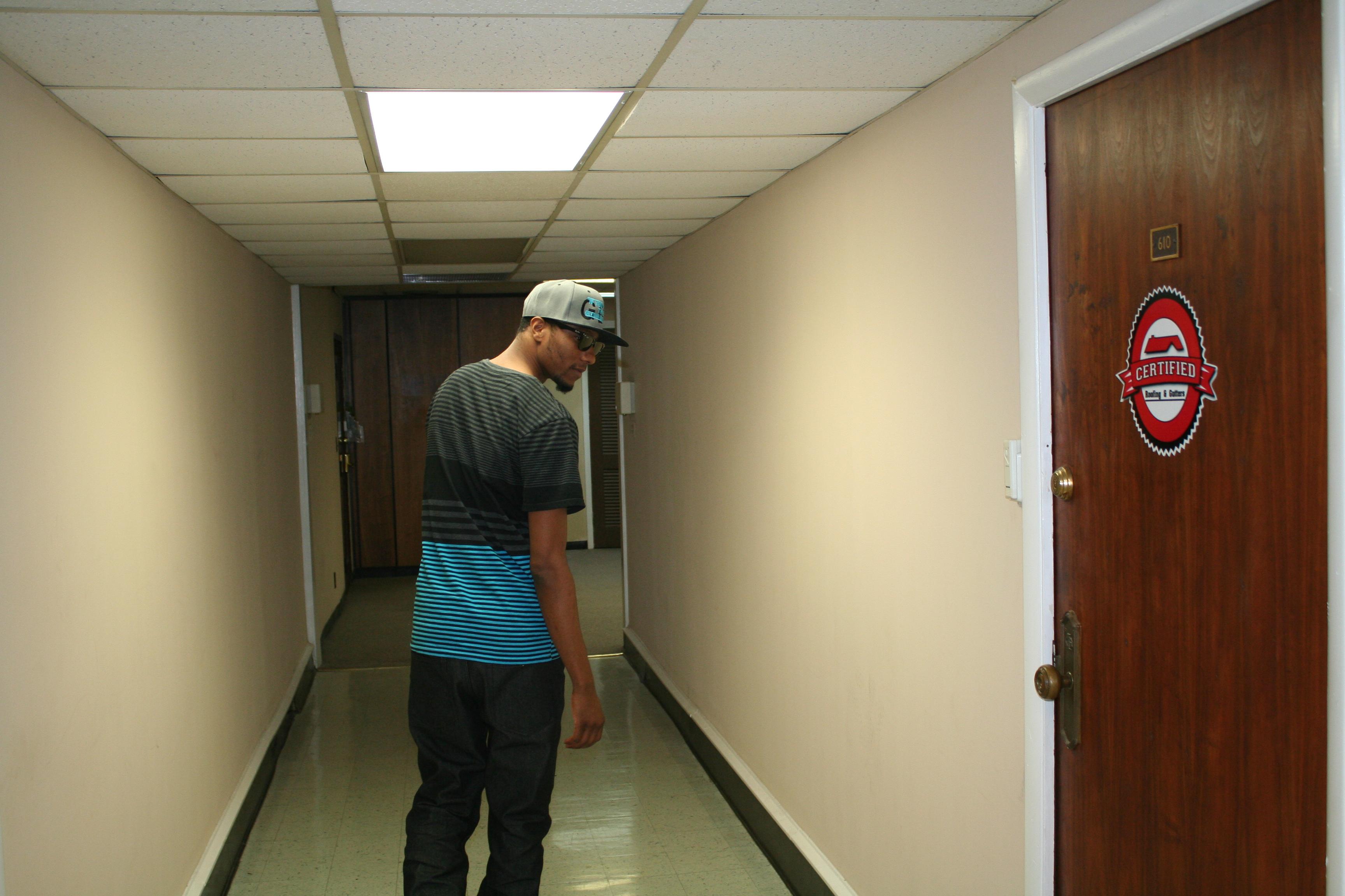Black and gray hat old studio & hallway (47)