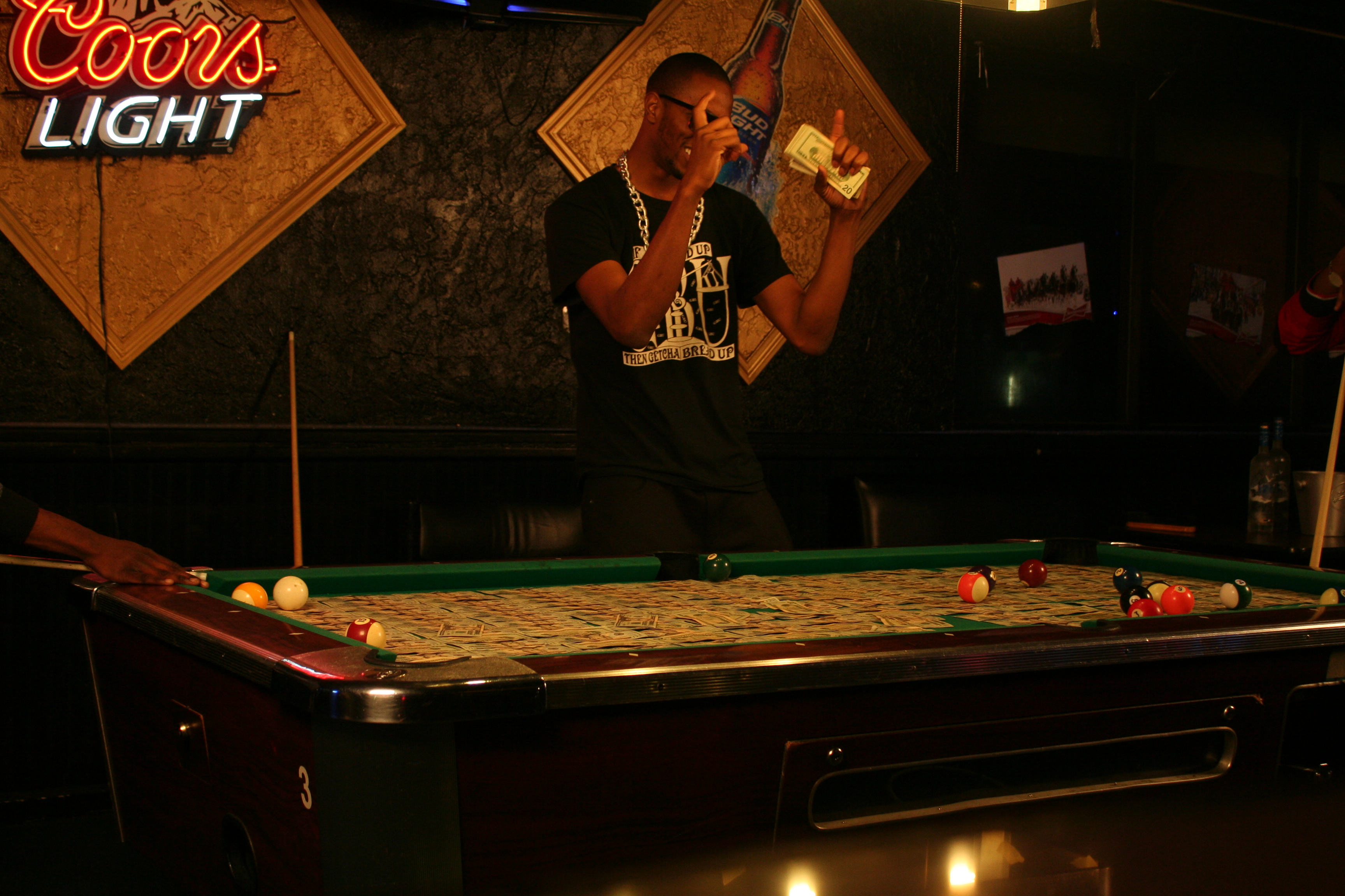 Braddy – ATTENTIONS – Pool Table (Standing Up Angle) (4)