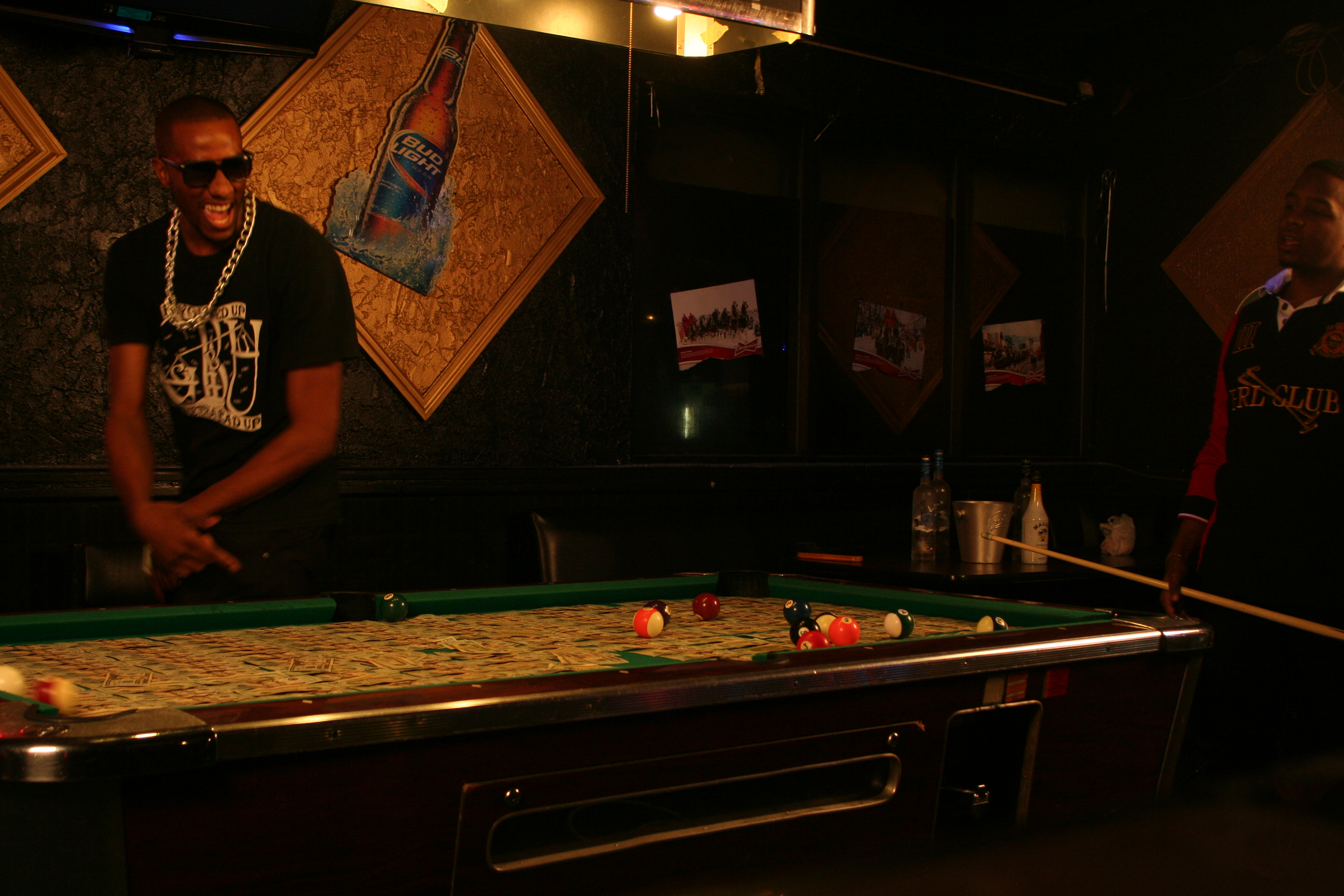 Braddy – ATTENTIONS – Pool Table (Standing Up Angle) (7)